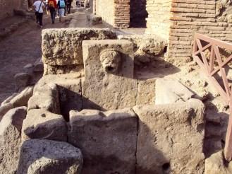 Laufbrunnen in Pompeji