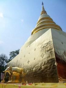 Stupa am Wat Phra Singh in Chiang Mai