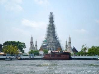 Wat Arun aus der Ferne