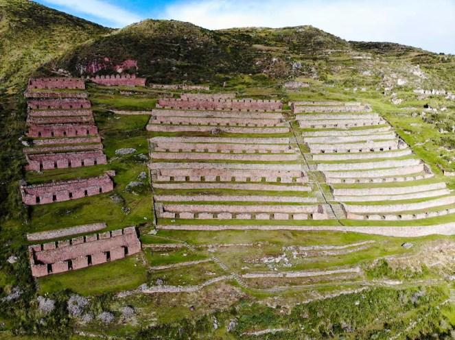 Inka Ruinen von Machuqolqa durch die Kamera der Drohne