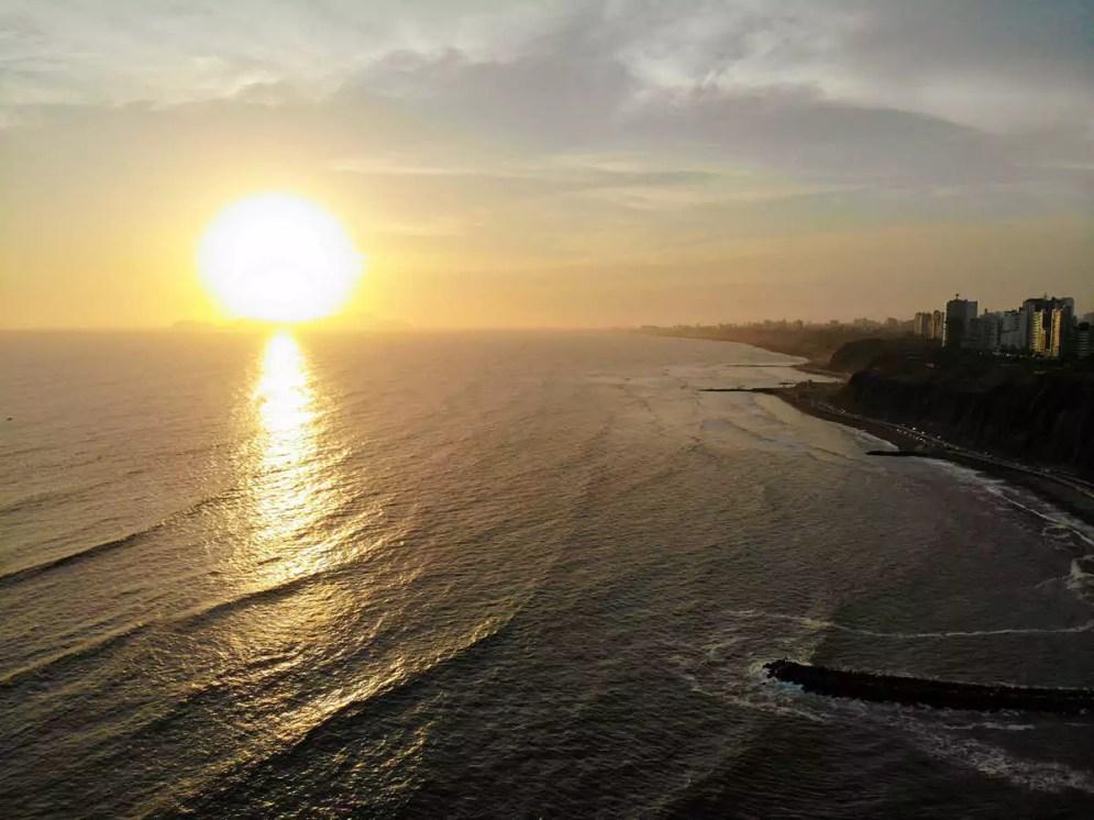 Sonnenuntergang in Lima Drohne-Foto