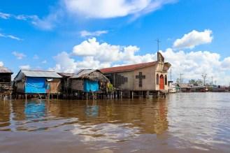 Kirche auf dem Wasser im Belen, Iquitos