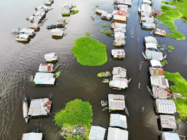 Pfahlbauten in Iquitos