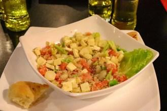 Quinoa Salat im Colors Restaurant Puno