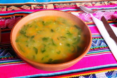 Quinoa Suppe auf Amantani