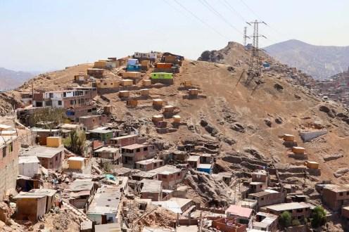 Armenviertel in der Nähe von Cerro San Cristobal in Lima