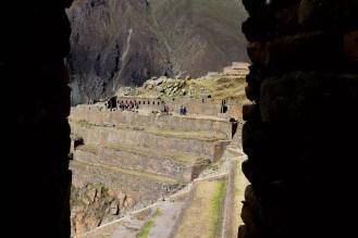 Blick auf den Sonnentempel und die Terrassen in Ollantaytambo