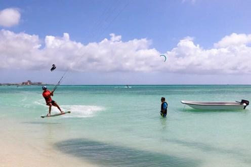 Kitesurfer auf Hadicurari Beach