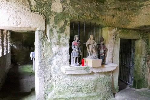 Quirinuskapelle in der Höhle
