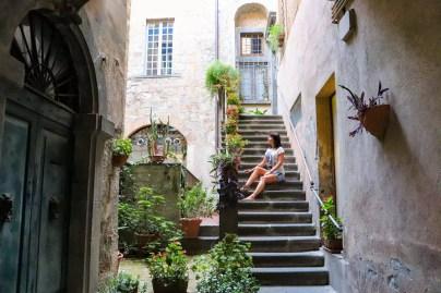 In einem kleinen Haushof in Orvieto