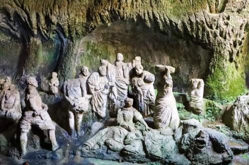 Reliefs Chiesa di Piedigrotta Pizzo
