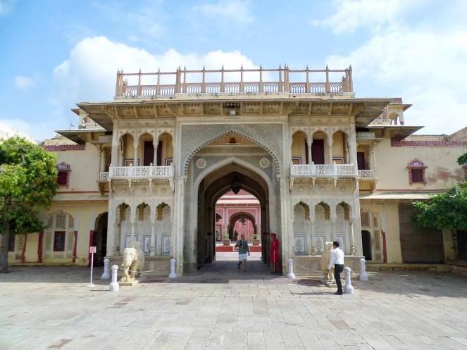 Eingangstor zum City Palace Jaipur