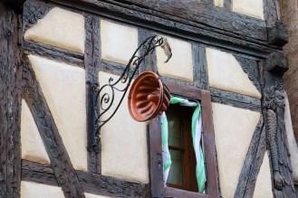 Fassade Geschnitzt