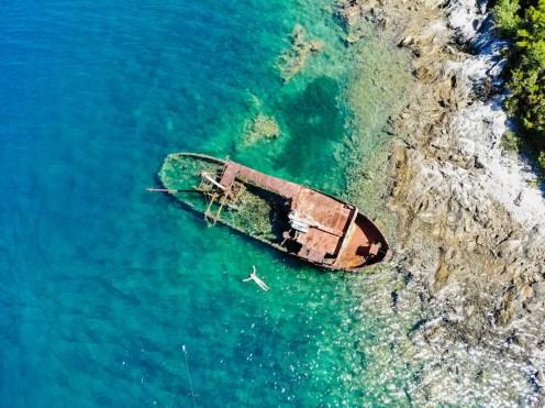 Schiffswrack bei Rose