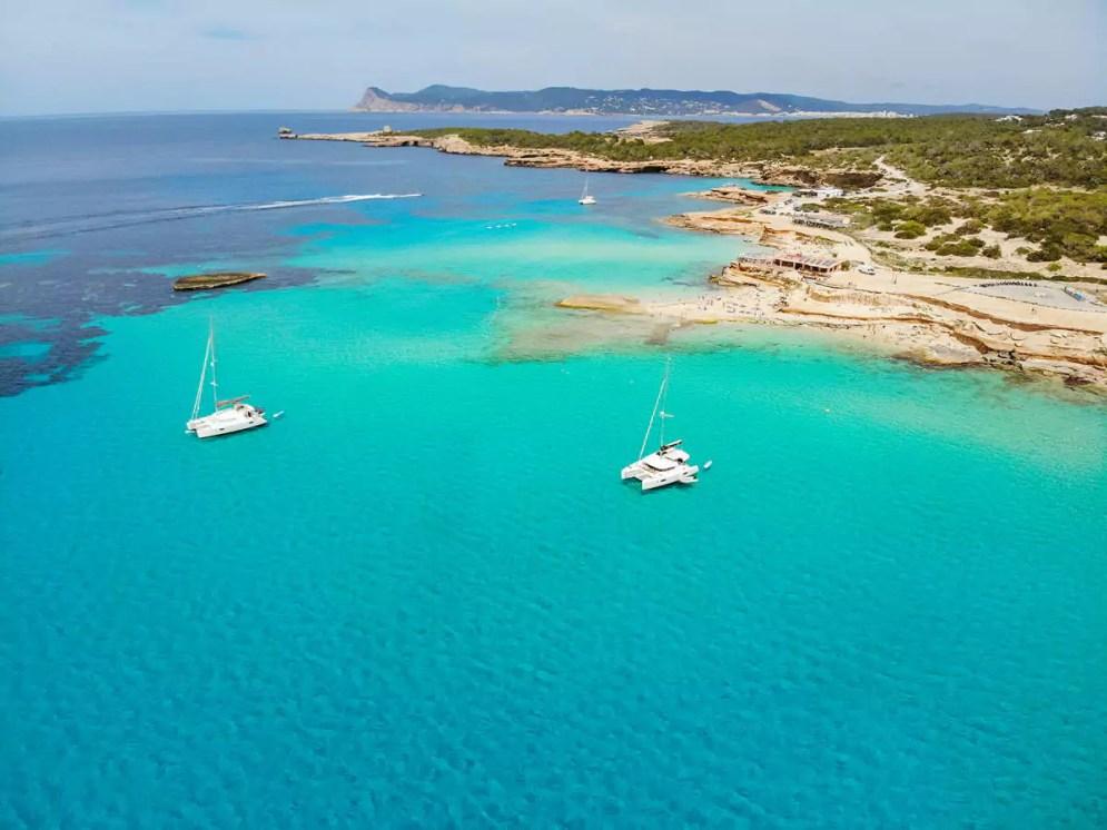 Cala Comte auf Ibiza