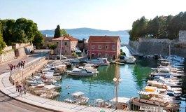 History and beautiful coastlines in Zadar