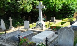 Churchill's Burial Place in Bladon – Oxfordshire