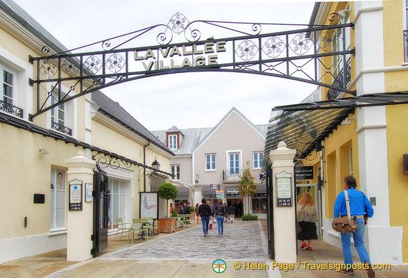 La Vallée Shopping Village