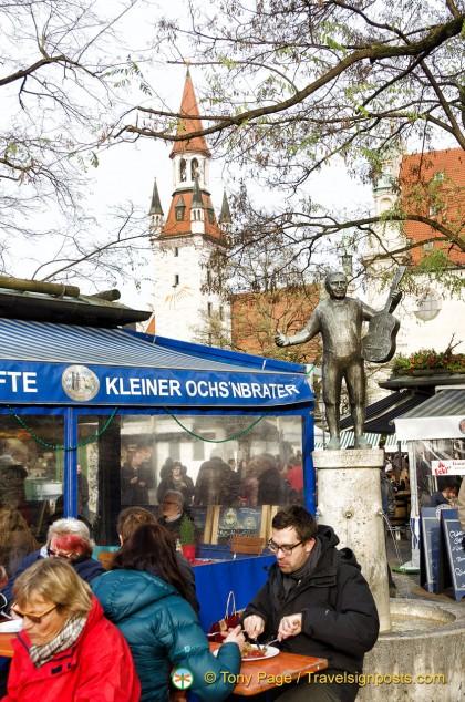Viktualienmarkt food kiosk