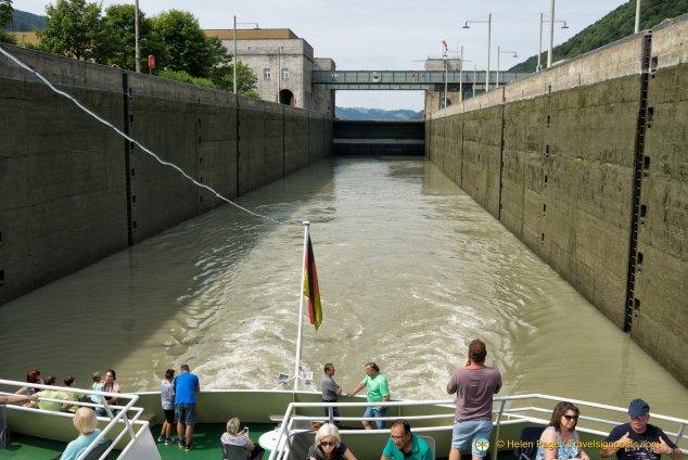 Jochenstein lock