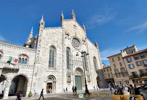 Como Duomo Square