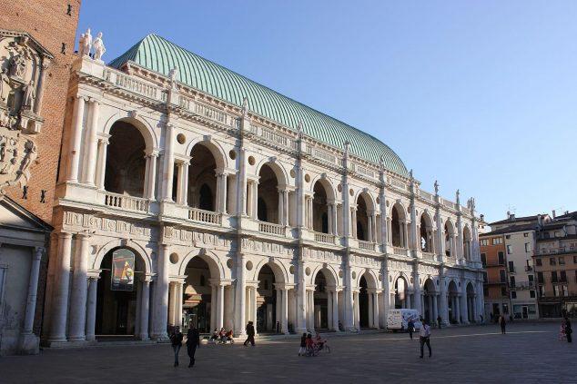 Basilica Palladiana, Vicenza: photo by Andrzej Otrebski