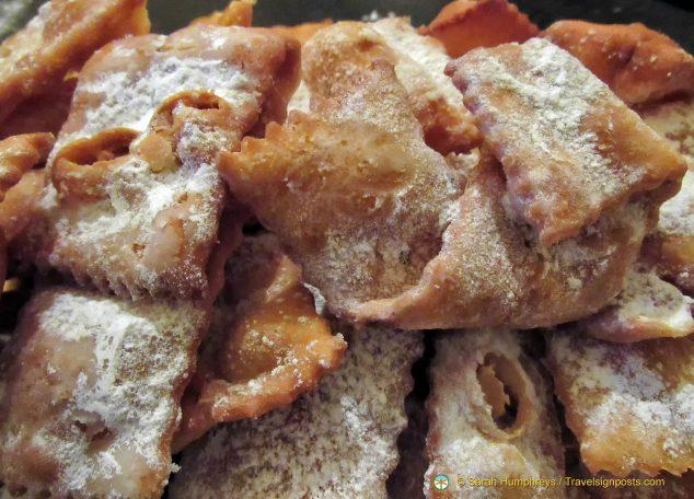 Cenci, a traditional Viareggio Carnival sweet
