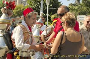 Istanbul tea vendor
