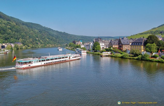 Traban-Trabarch on the Mosel