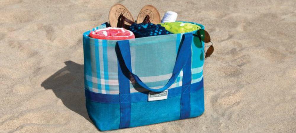 Essential beach accessories sandless beach tote travelsmart vip travel smart blog