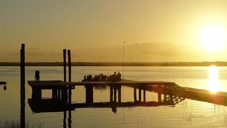 Laguna Bacalar Sonnenaufgang Yoga