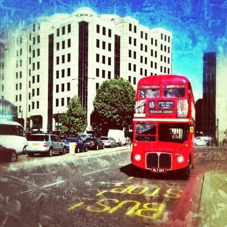 bus rossi londra