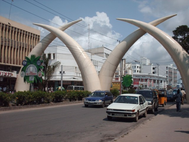 Tusks_in_City_of_Mombasa