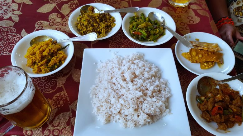 rice and curry backpacking Sri Lanka