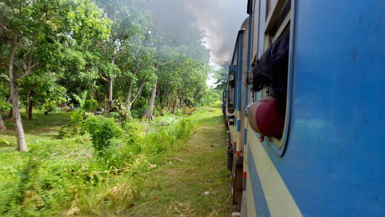 train backpacking Sri Lanka