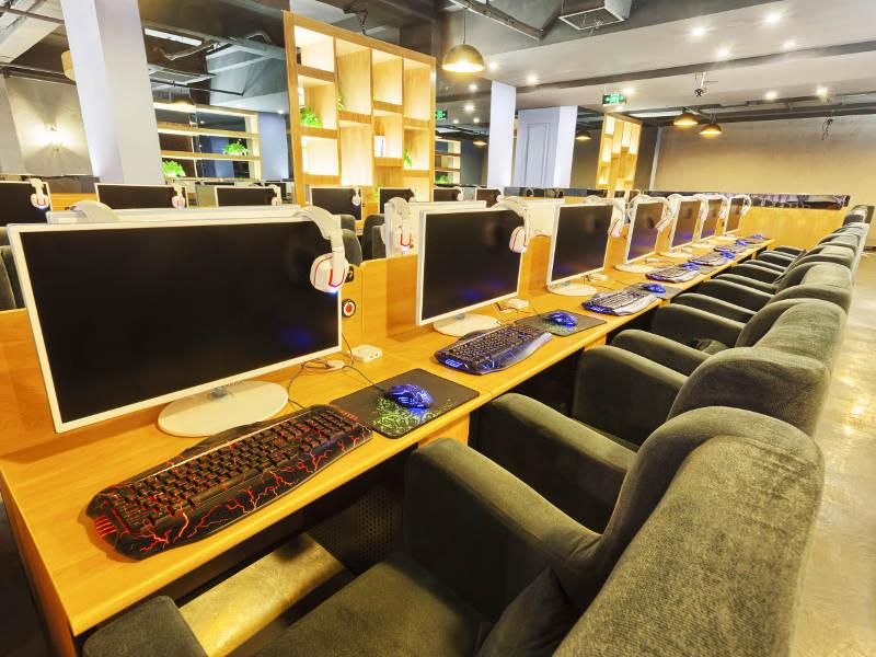 UK Visa Internet Cafe