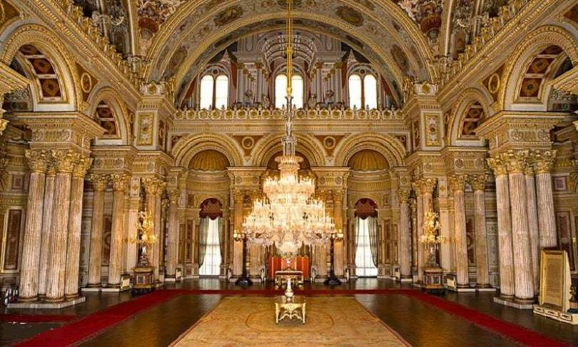 Dolmabahce Palace Istanbul A Paragon of Beauty
