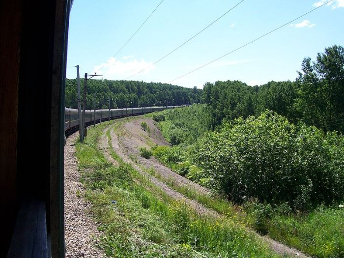 800px-Transsiberian_train_to_Novosibirsk
