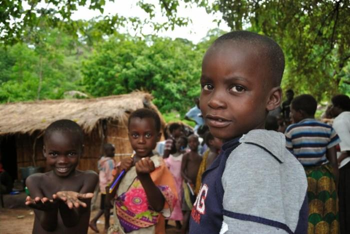bambini-lago-malawi