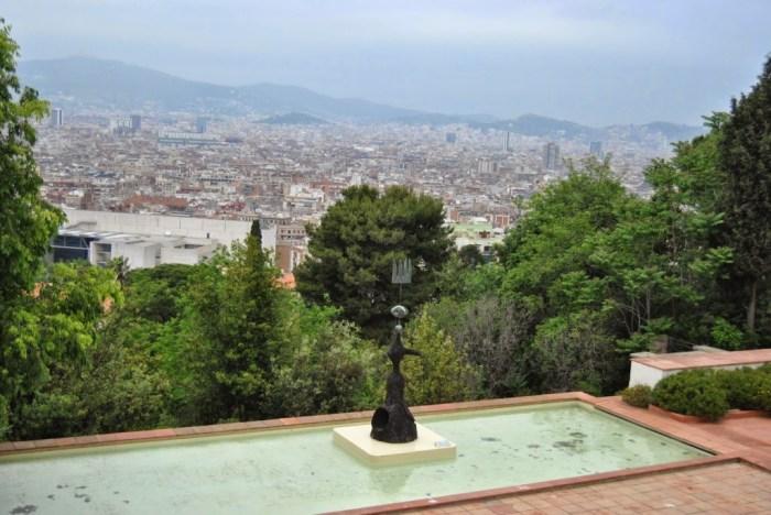 La vista dagli esterni della Fundaciò Joan Mirò, sulla collina del Montjuic
