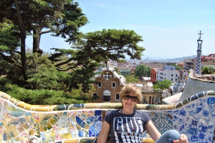 Sulle coloratissime terrazze del Parc Guell