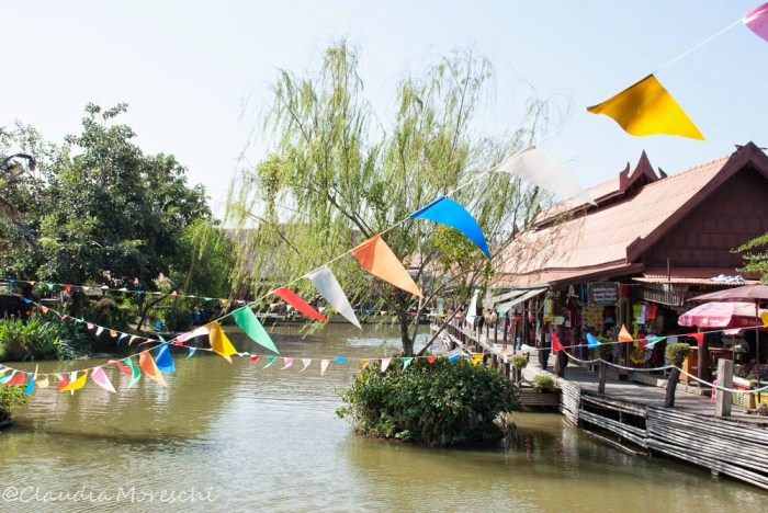 Il mercato galleggiante di Ayutthaya
