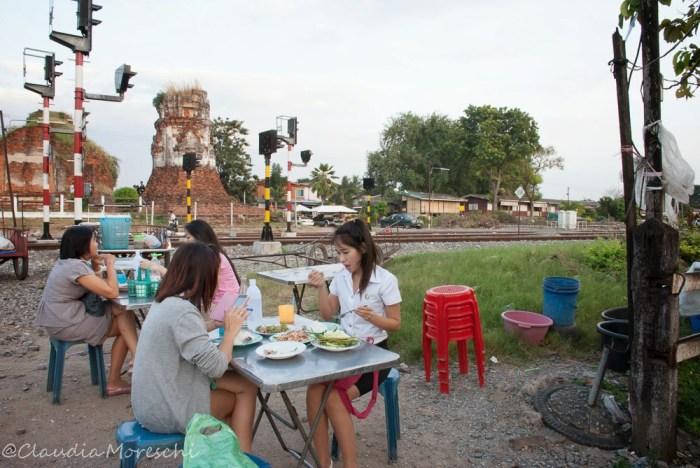 streetfood-lopburi-travelstories