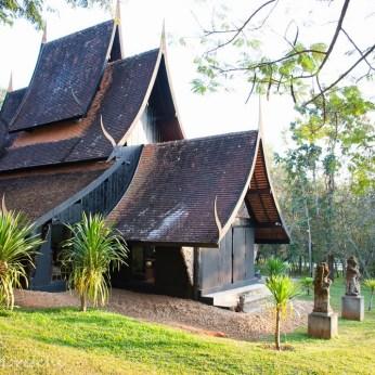 black-house-chiang-rai-3