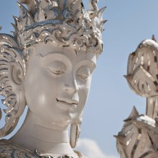 statua-white-temple