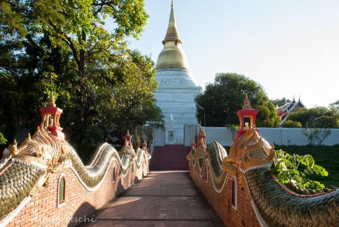 wat-phra-kaew-don-tao-lampang-2