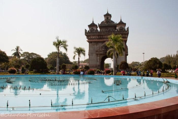 Il Patuxai, l'Arco di Trionfo di Vientiane