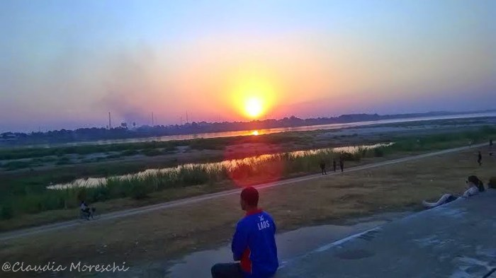 Lungo Mekong, Vientiane