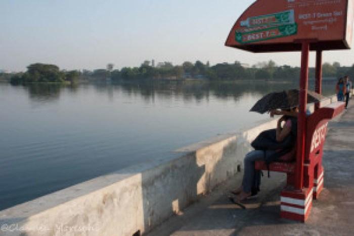Il Parco degli Ombrelli sul Lago Inya