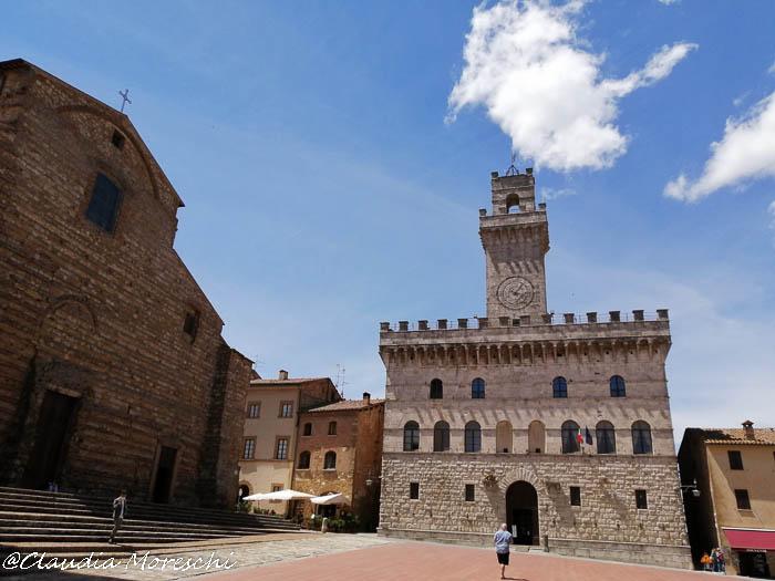 Tour della Val d'Orcia: Piazza Grande a Montepulciano